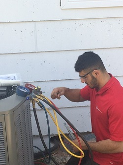 Ottawa-Homes-Services-installation-technician