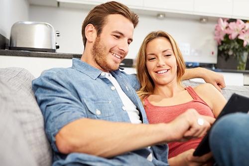 couple-deciding-on-spring-AC-maintenance